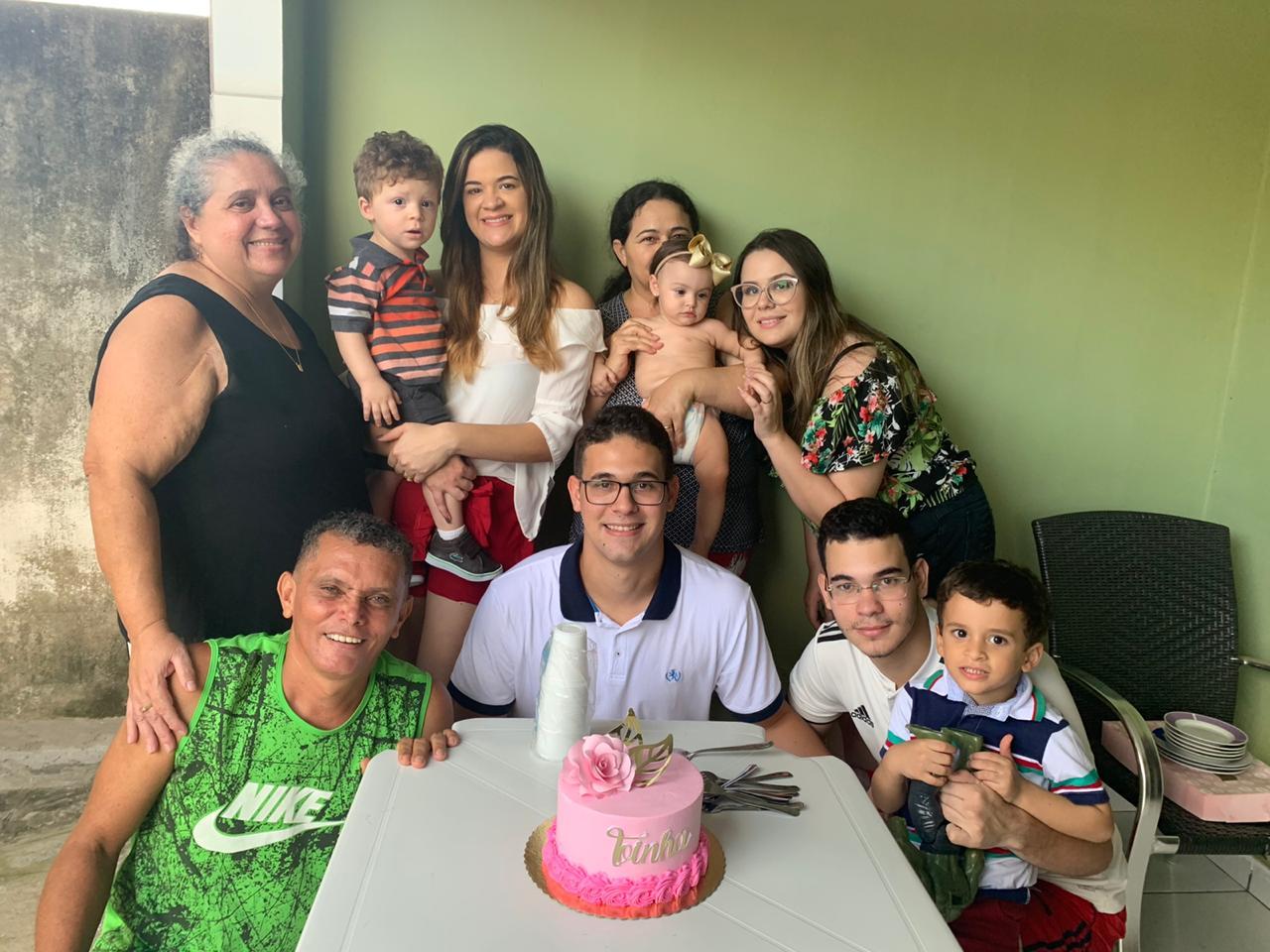 Radialista Luiz Calasboa parabeniza sua esposa pelo seu aniversário festejado hoje