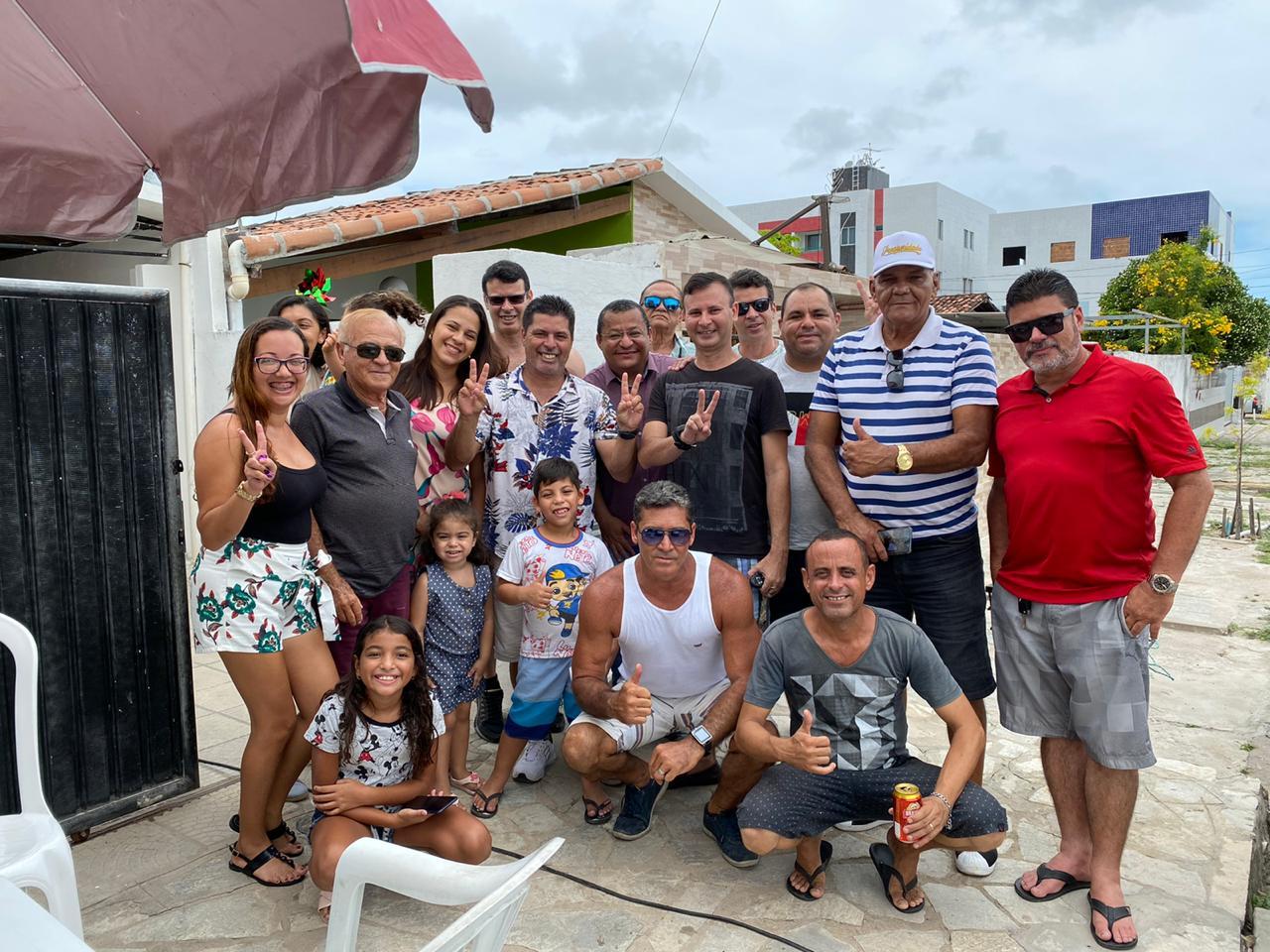 BLOCO NA RUA  -  Nilvan Ferreira visita população do Geisel e discute realidade da comunidade