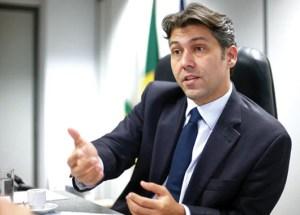 """Gadelha endossa nome de Maranhão ao governo: """"Teria totais condições de ser o nosso representante"""""""