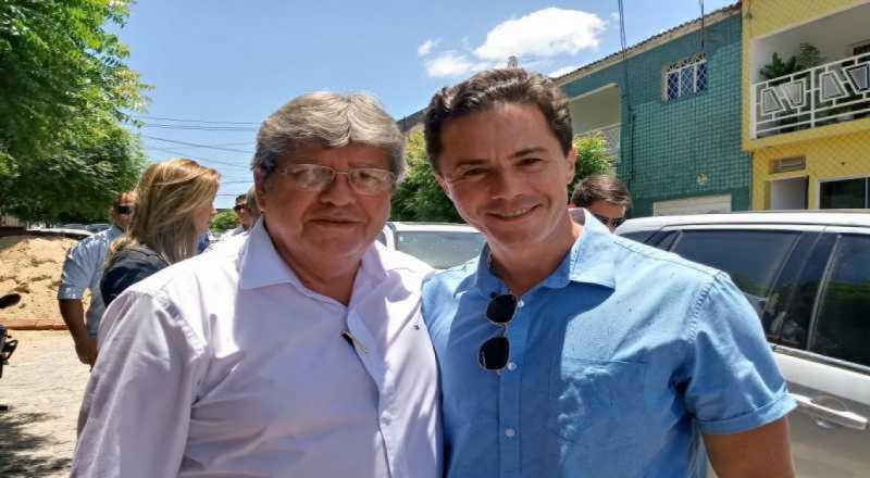 DOBRADINHA À VISTA? João Azevêdo revela conversa com Veneziano e diz que parlamentar seria um bom senador para a Paraíba