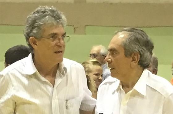 Raimundo Lira abre porta para uma recomposição política com o governador