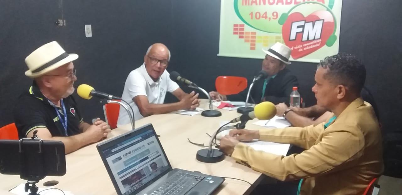 Ex-jogador do Botafogo-PB Magno é homenageado na Mangabeira FM e deveria ser eternizado com estátua pelo Belo Paraibano