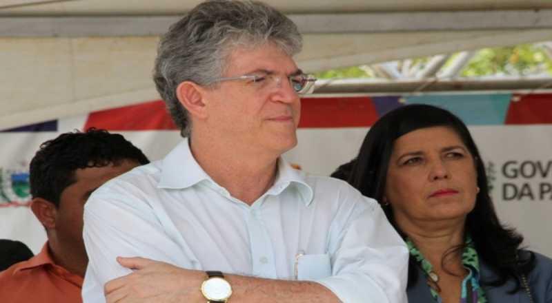 Ricardo Coutinho e Maranhão trocam elogios e pavimentam terreno para aproximação